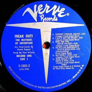 freak_mono_label1