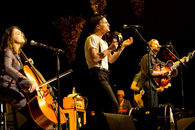 20121209-lumineers-900x-1355077651