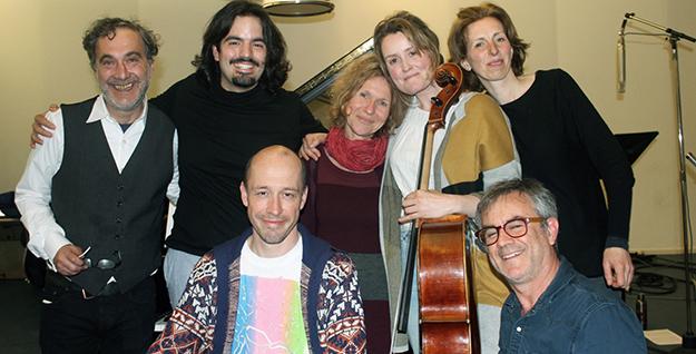 Muziekteam: Konstantin Koukias, Jorge Luís Castro, Marion von Tilzer, Eilidh Martin en Janneke van Prooijen | Mattijs van de Woerd en Paul Pouwer